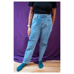 Vans Cut-Off Mom Jeans 💙
